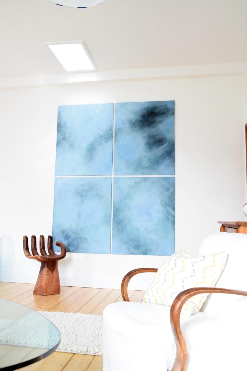 новая картина в гостиной-столовой