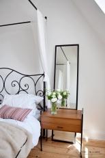 спальня у окна
