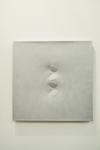 Turi Simeti – Quattro ovale argento, 2002